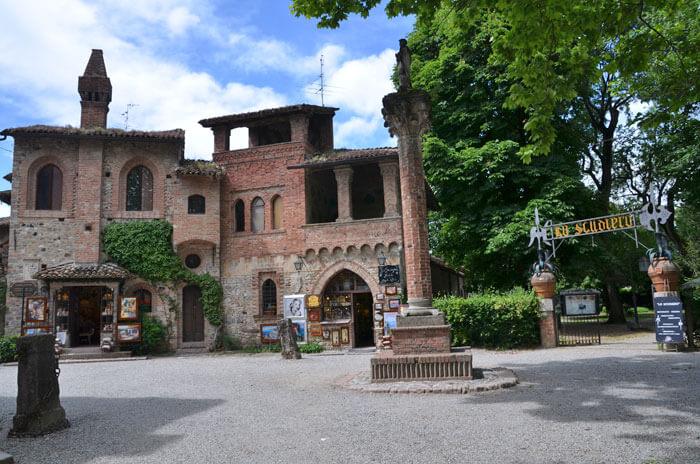 02 3 - 「芸術の街」ヴィスコンティ村(visconti_village)
