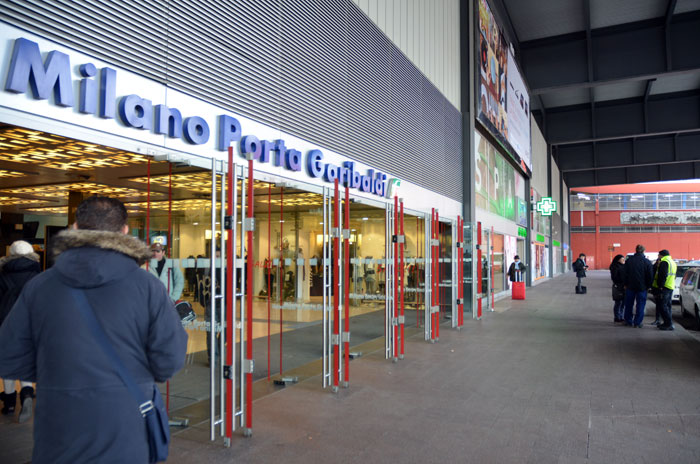 02 6 - 「ポルタ・ガリバルディ駅」の利用方法