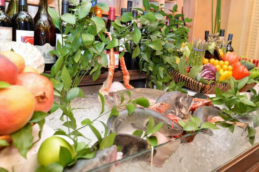 STK 9162 1024x682 - 魚介が有名な老舗レストラン・ジャコモ