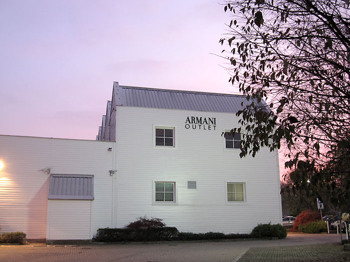 armani outlet01 - armani_outlet01