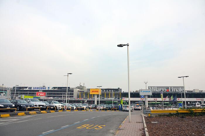 リナーテ空港 外観