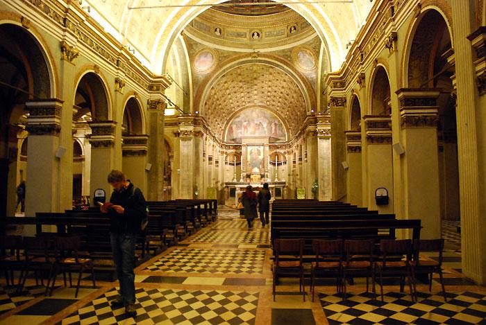 サンタ・マリア・プレッソ・サン・サティロ教会 内部
