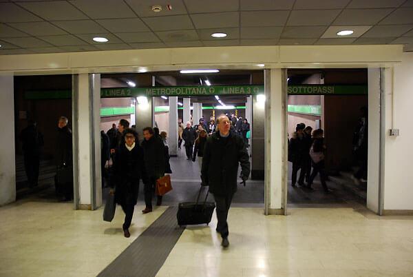 station inside11 - station_inside11