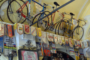 03 300x199 - 自転車の聖地ギサッロ教会