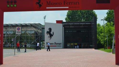 cropped DSC 5966 convert 20110520203242 - モデナのフェラーリ博物館