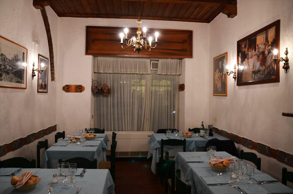 STK 1427 min R - カジュアルなトスカーナ風レストラン(La Cantinetta)