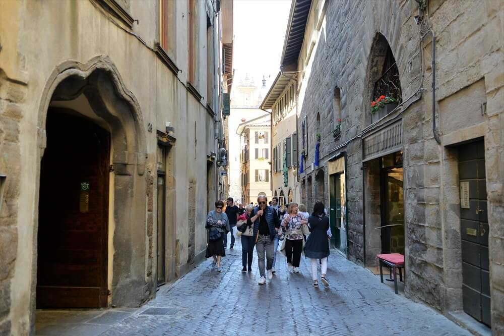 STK 3291 min R - 【ベルガモ観光】北イタリア一美しいの街の完全ガイド2020年版