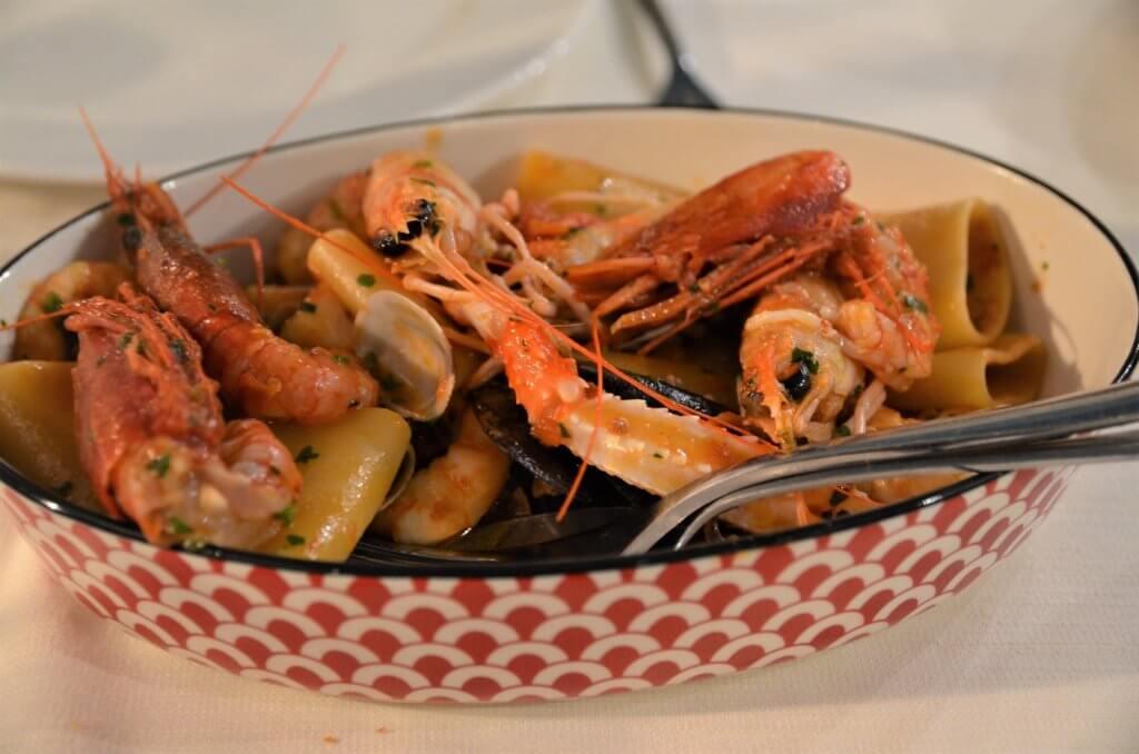 STK 3468 min R 1 1024x678 - 絶品の魚介料理がお勧めのレストラン「I Sapori del Mare」