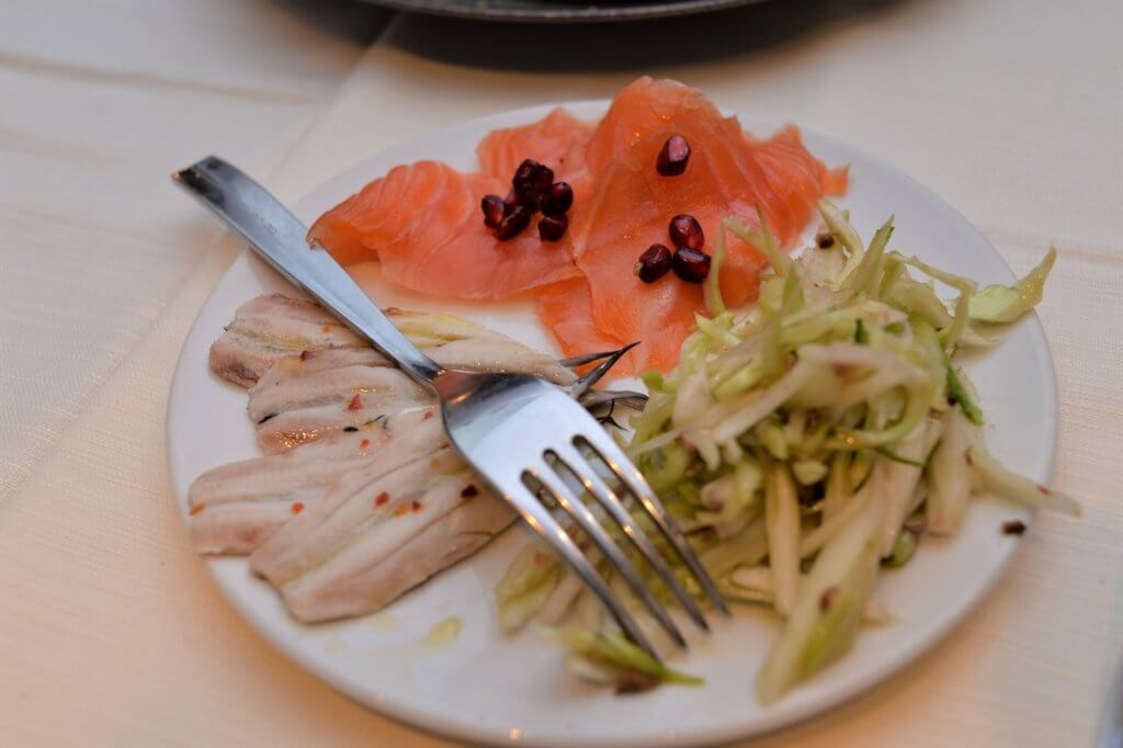 STK 5127 min R 1 1024x682 - 絶品の魚介料理がお勧めのレストラン「I Sapori del Mare」