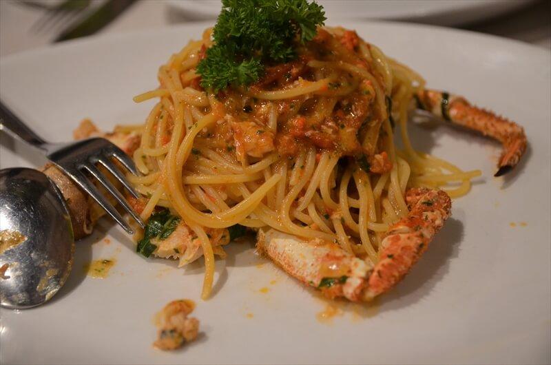 STK 3649 min R - ウニ、絶品の魚介を堪能。ミラノの老舗レストラン「AL GRISSINO」