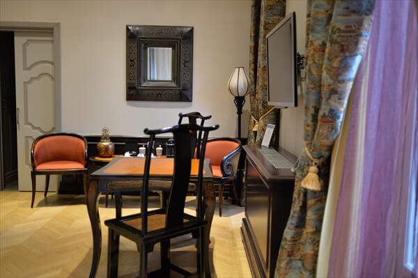 STK 6316 min R - アクセスの良い5つ星ホテル「シャトーモンフォール」(chateau monfort)