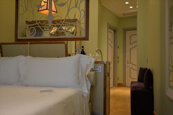STK 6337 min R - アクセスの良い5つ星ホテル「シャトーモンフォール」(chateau monfort)
