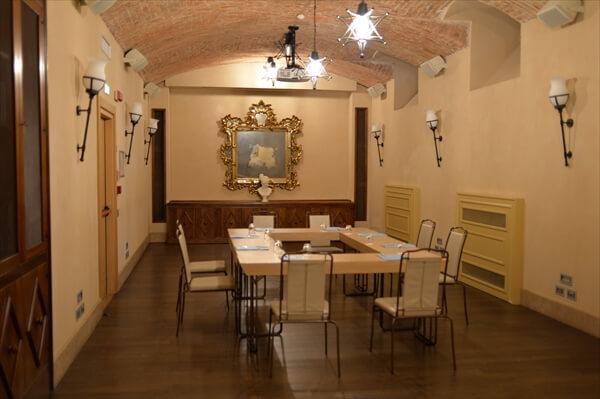 STK 6361 min R - アクセスの良い5つ星ホテル「シャトーモンフォール」(chateau monfort)