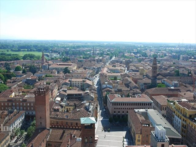 DSC 0321 min R - 【クレモナ観光】ヴァイオリン博物館と中世の街並み