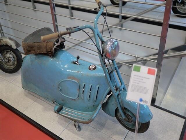 STK 7975 min R - ミラノ郊外にある珍しいスクーター博物館(museo scooter&lambretta)