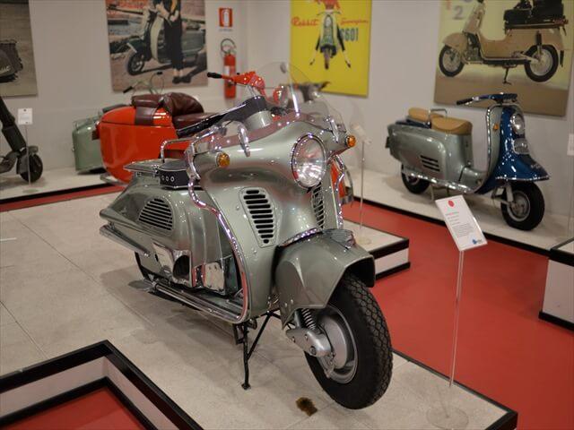 STK 7977 min R - ミラノ郊外にある珍しいスクーター博物館(museo scooter&lambretta)