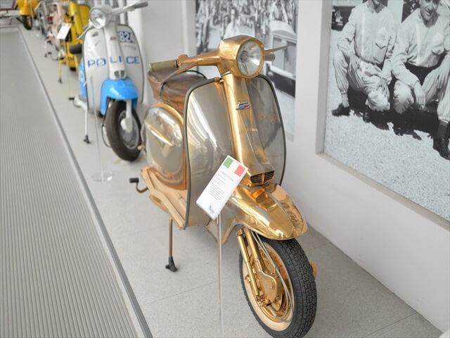 STK 8000 min R - ミラノ郊外にある珍しいスクーター博物館(museo scooter&lambretta)