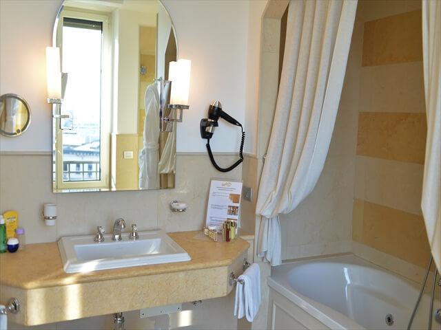 STK 8497 min R - ジェノバのホテル「Grand hotel savoia」